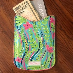 Lilly Pulitzer Pouch 🌸
